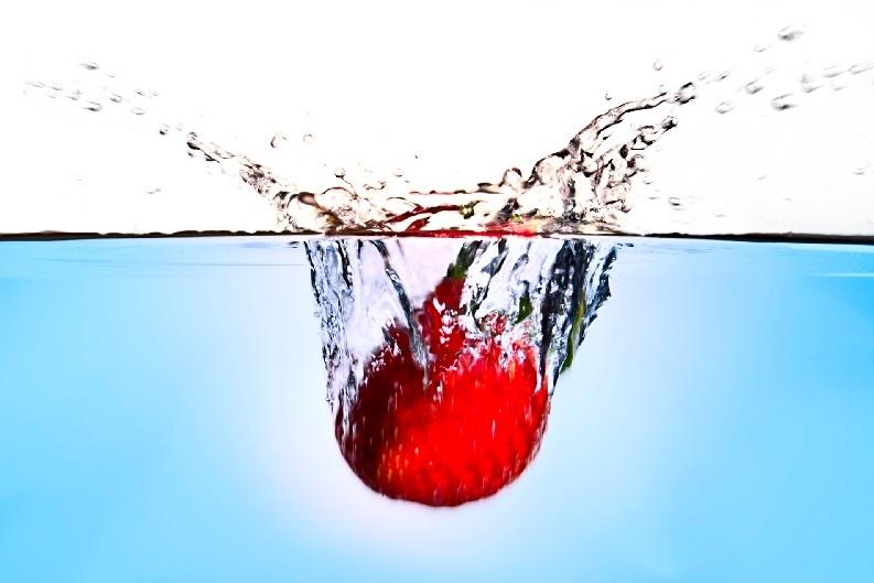 Jordgubbe i vatten